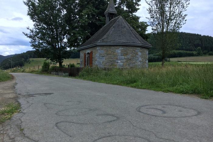 Heiligenfeldkapelle erstrahlt zum Schützenfestwochenende in grün-weiß