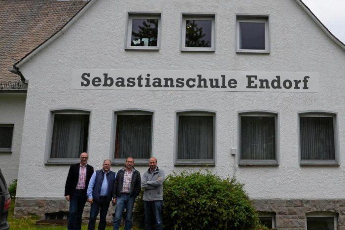 Alte Schule in Endorf wird Wohnprojekt